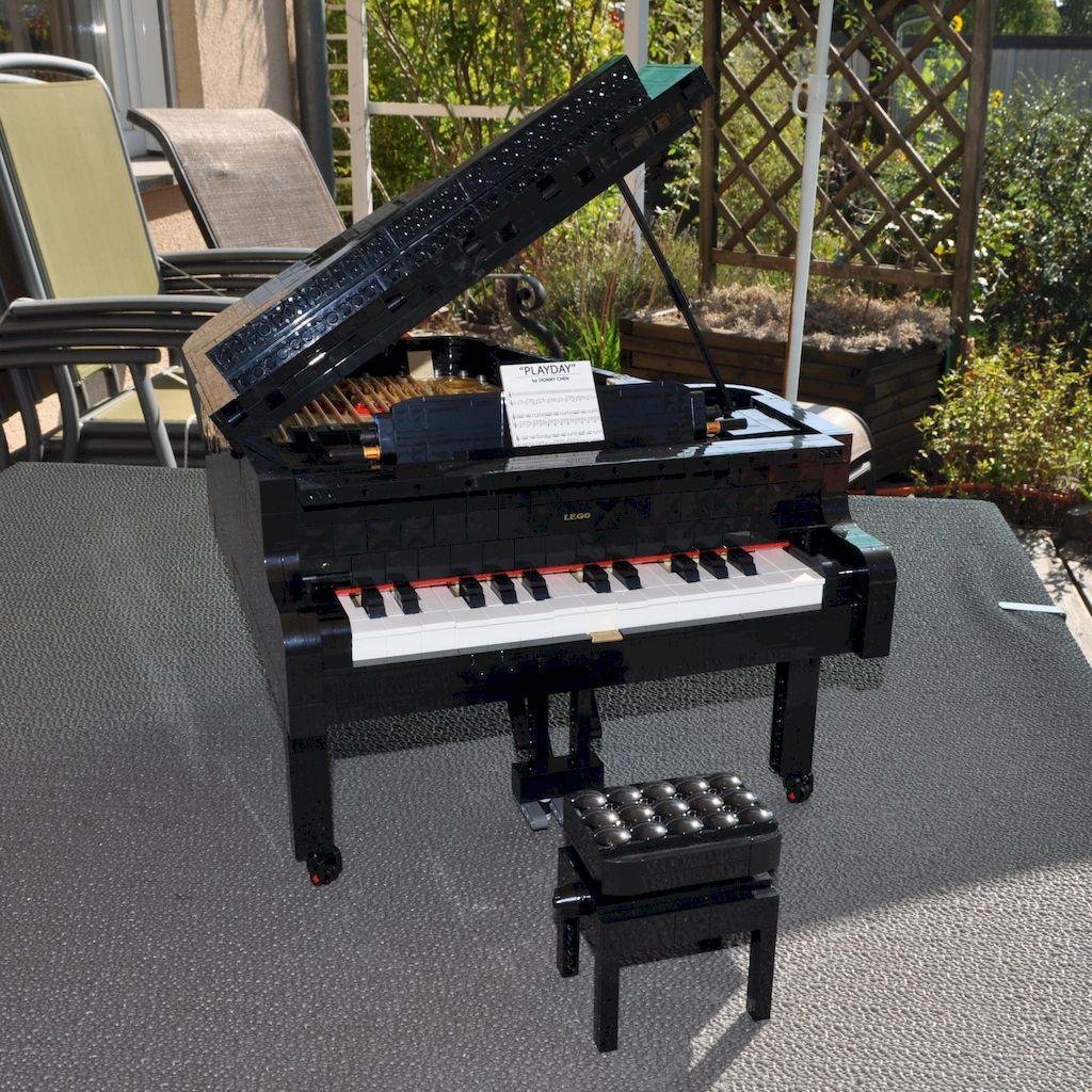 LEGO IDEAS Konzertflügel (Piano)